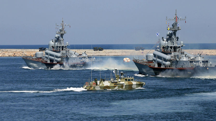 США и НАТО провели учения в Черном море