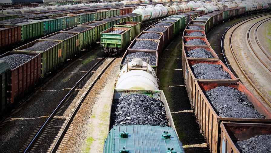Восемь грузовых вагонов сошли с рельсов под Липецком
