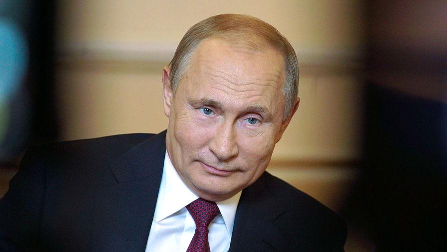 Производитель рассказал о сшитом для Путина спортивном костюме
