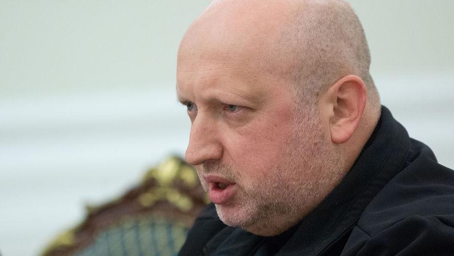 Турчинов предложил возбудить против Зеленского уголовное дело