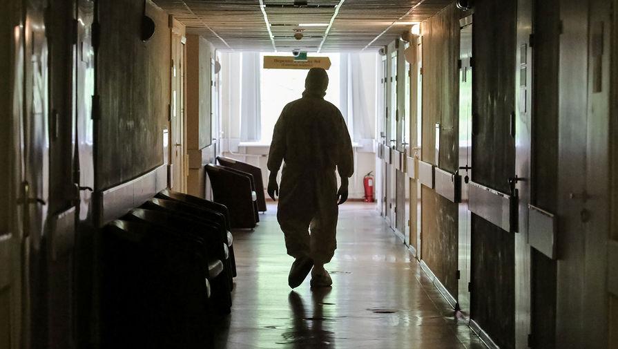 Власти Москвы опровергли информацию об изоляции людей с антителами к COVID-19