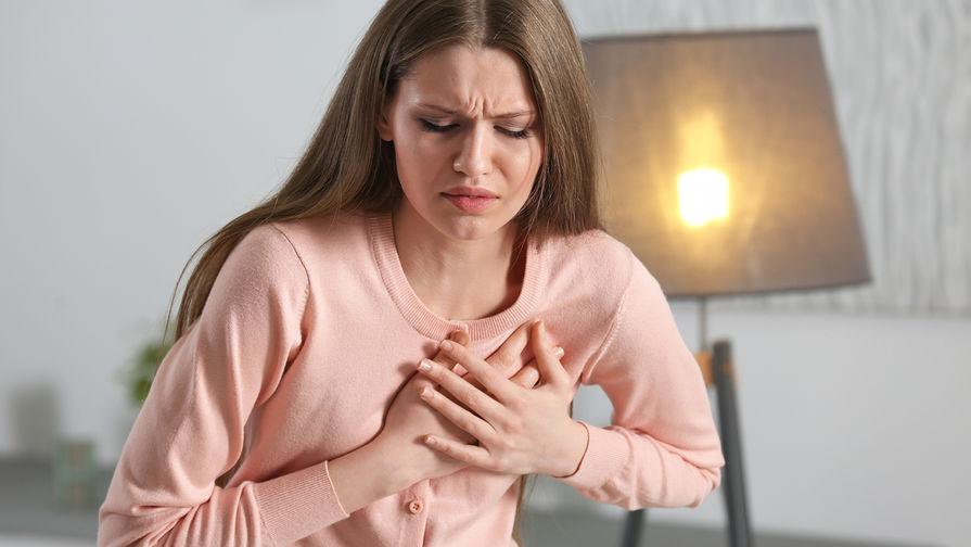 Ученые связали длительные месячные с болезнями сердца