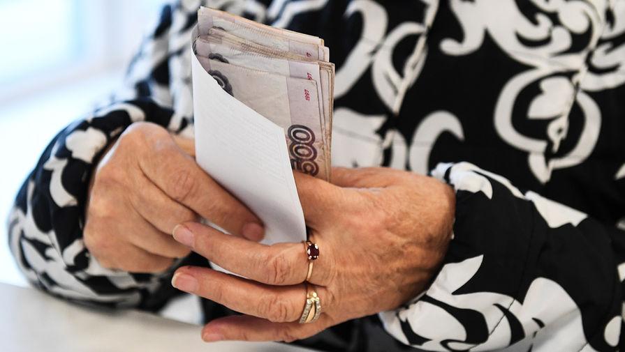 Путин подписал закон об отсрочке долгов для пенсионеров и бизнеса