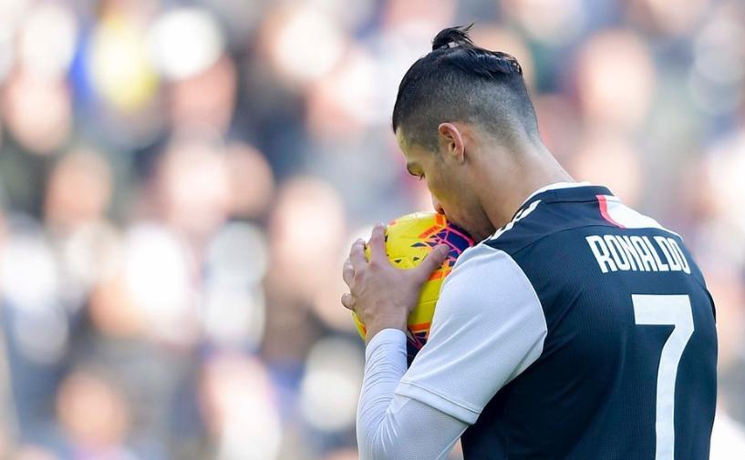 Роналду впервые в сезоне не реализовал пенальти в матче чемпионата Италии