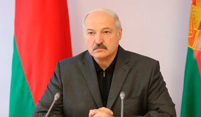 Рейтинг Лукашенко упал из-за пандемии коронавируса