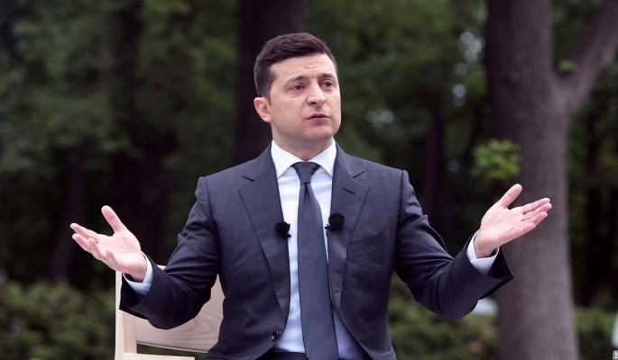 Заявление Зеленского о 'бомбящих всех украинских самолетах' осудили в Сети