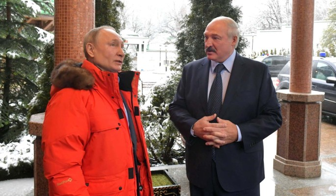 Эксперт: Лукашенко придется отвечать за враждебную акцию против Путина