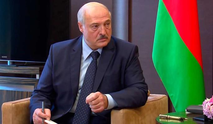 Досрочный уход и передача власти: что пообещает Лукашенко по итогам переговоров с Путиным