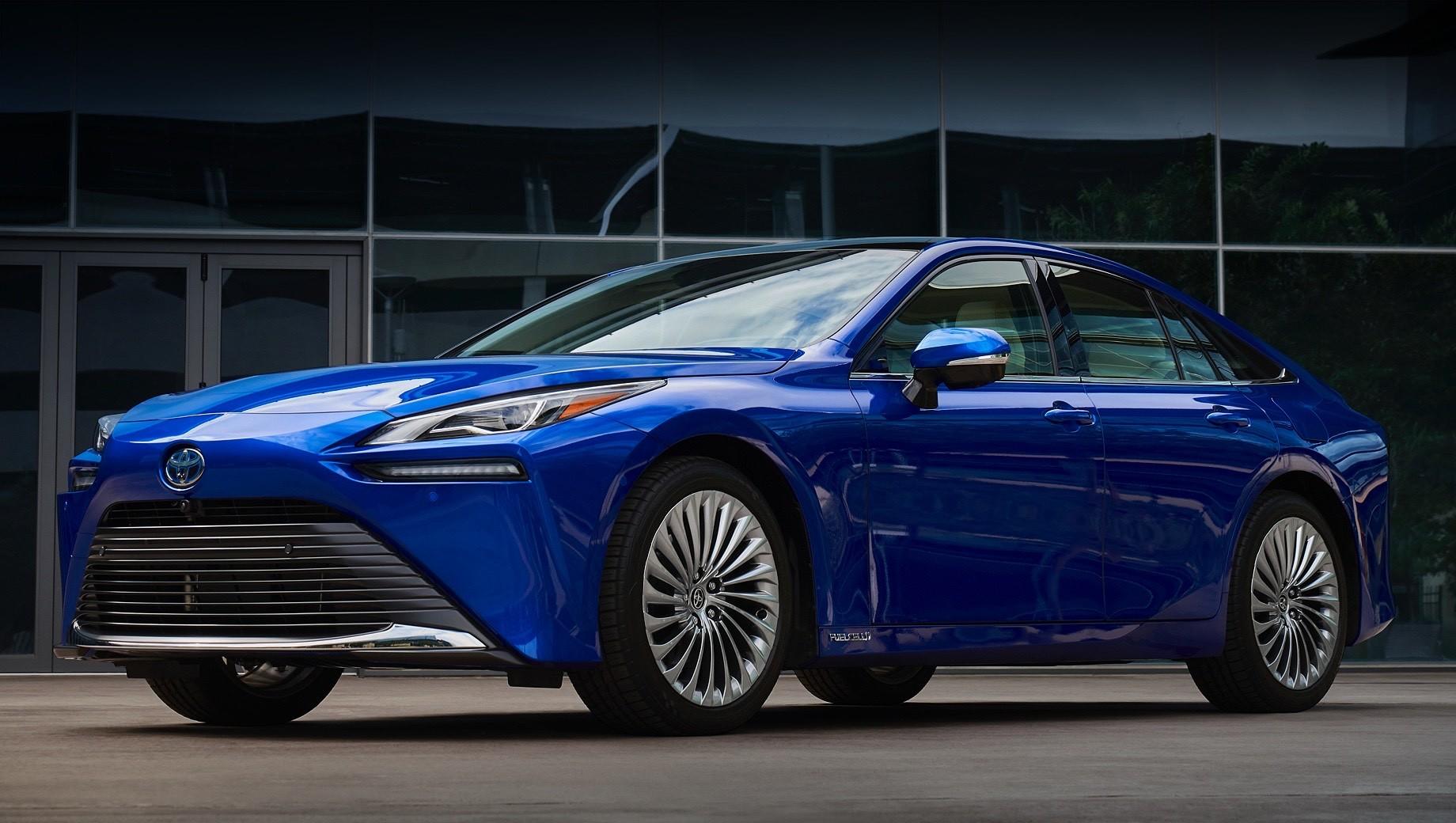 Новая Toyota Mirai стартует на рынке США в декабре