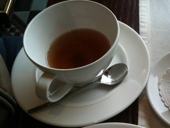 Диетолог Соломатина предупредила о серьезной опасности сладкого чая