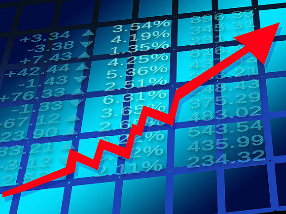 Российский фондовый рынок открылся в плюсе на 1,4-1,6%