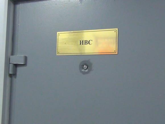 Отбывшего под арестом месяц красноярского либертарианца доставили на допрос в Москве