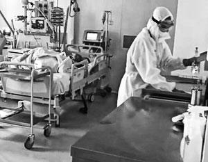 Появилось видео из реанимации с пациентами с COVID-19