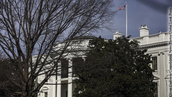 В администрации Байдена посоветовали американцам не ездить Россию
