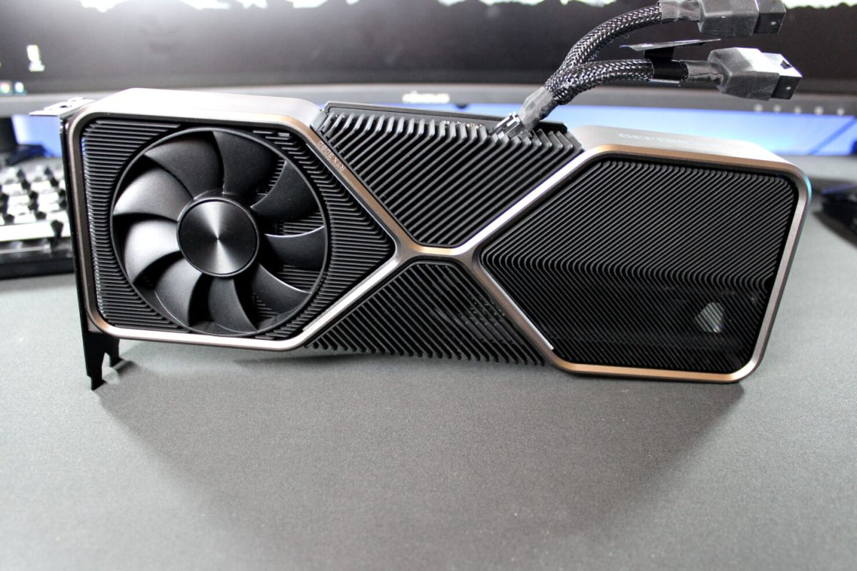 Распаковка видеокарты GeForce RTX 3080 Founders Edition