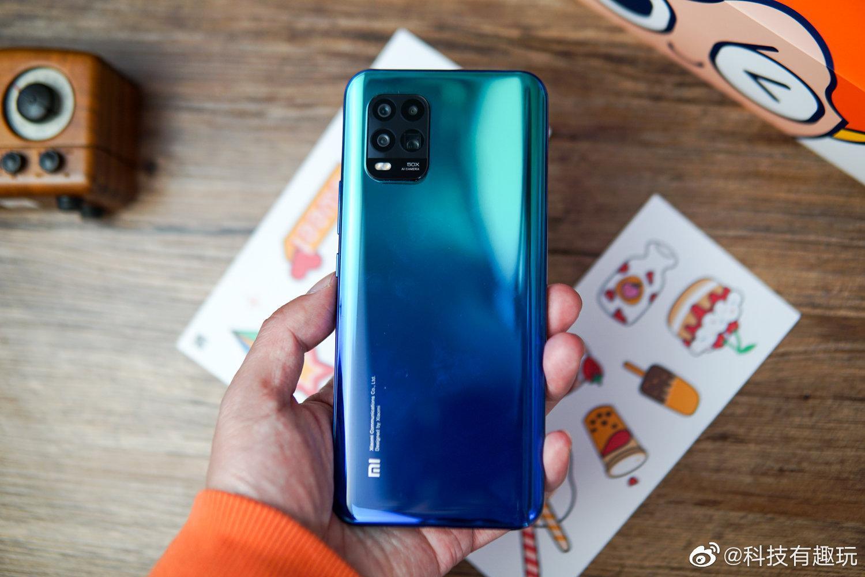 Xiaomi представила недорогой смартфон Xiaomi Mi 10 Youth Edition
