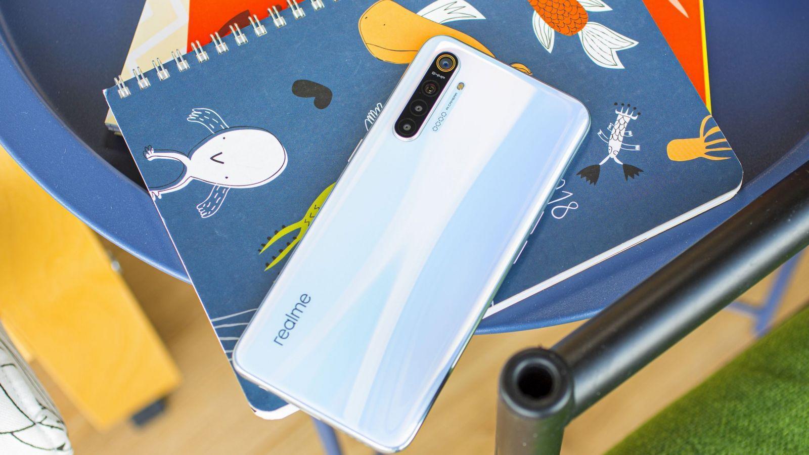 Realme X3 SuperZoom будет поставляться с 4200 мАч аккумулятором и быстрой зарядкой