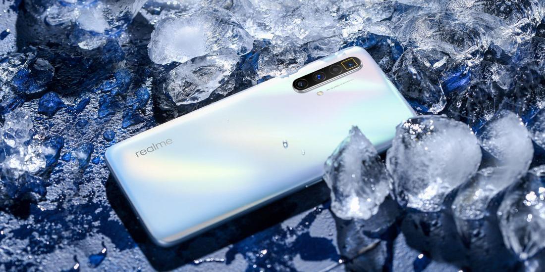 Realme представила смартфон Realme X3 SuperZoom