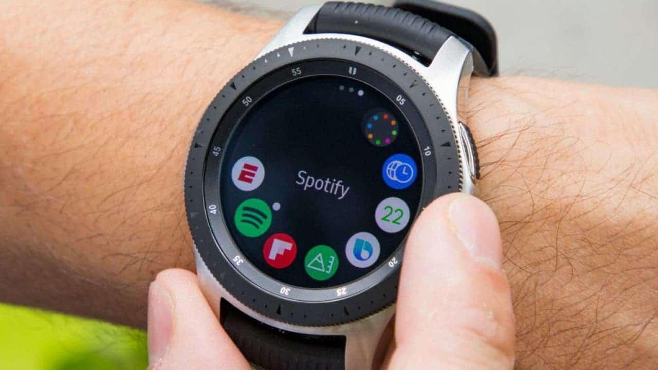 В сеть утекли рекламные материалы и изображения Samsung Galaxy Watch 3