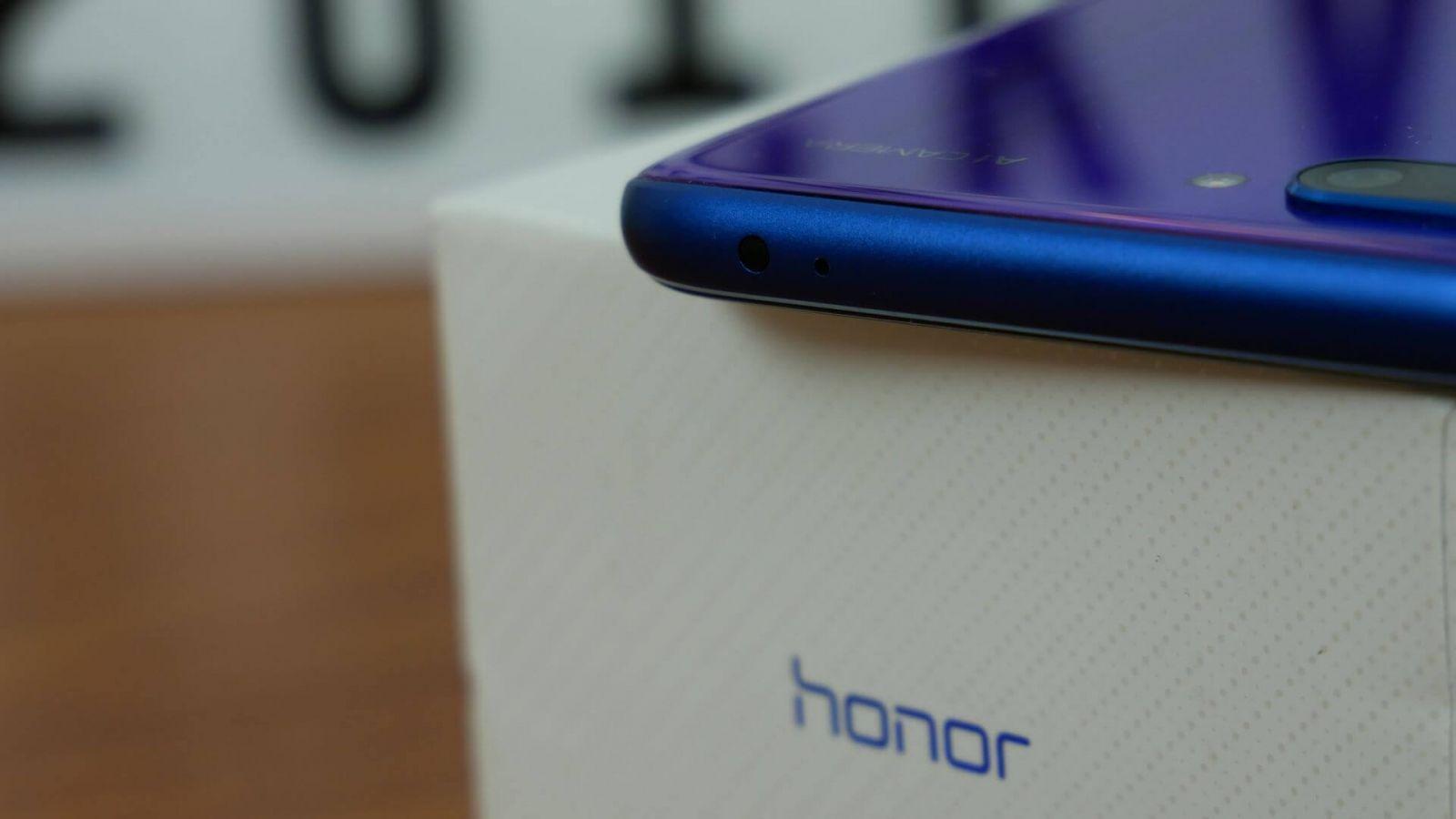 В сети появилось изображение камеры неизвестного смартфона Honor