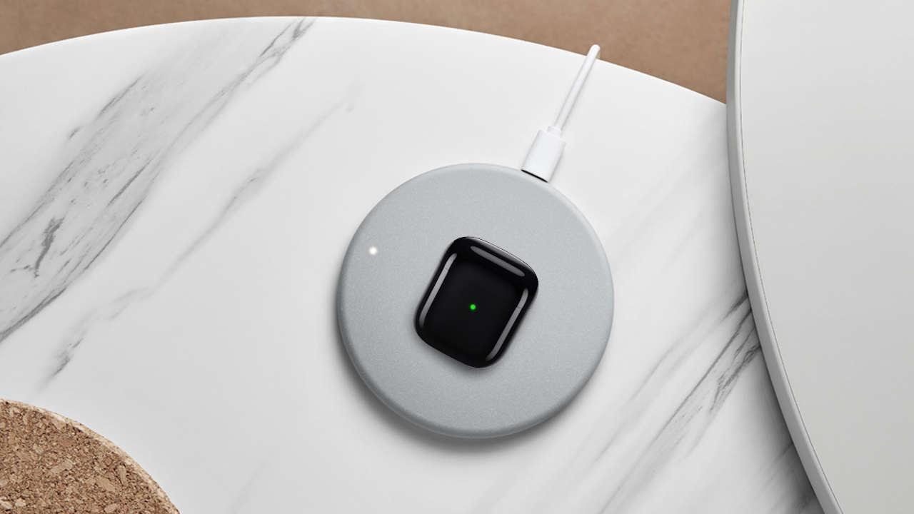 Realme представила новое беспроводное зарядное устройство мощностью 10 Вт за 12 долларов