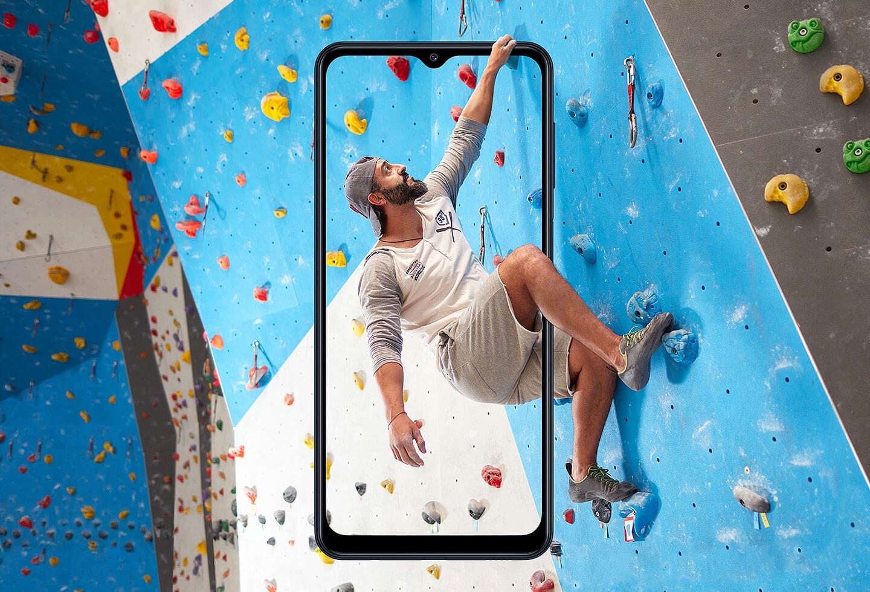 Samsung Galaxy M12 вышел в России по цене от 12 990 рублей