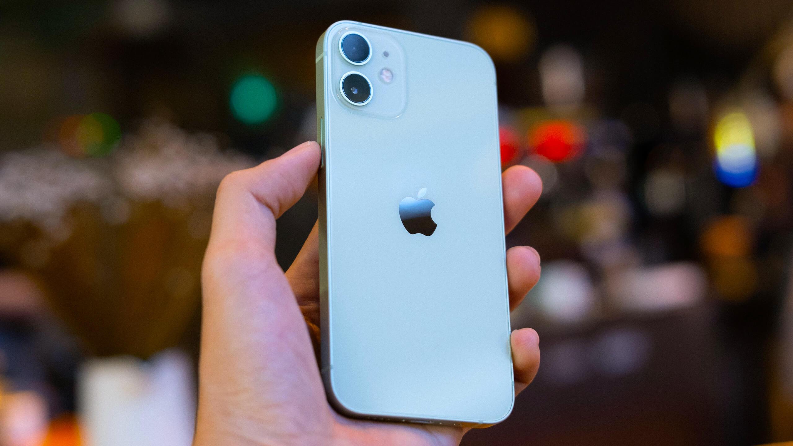Apple рассказала, как будет искать детское порно на iPhone и iPad