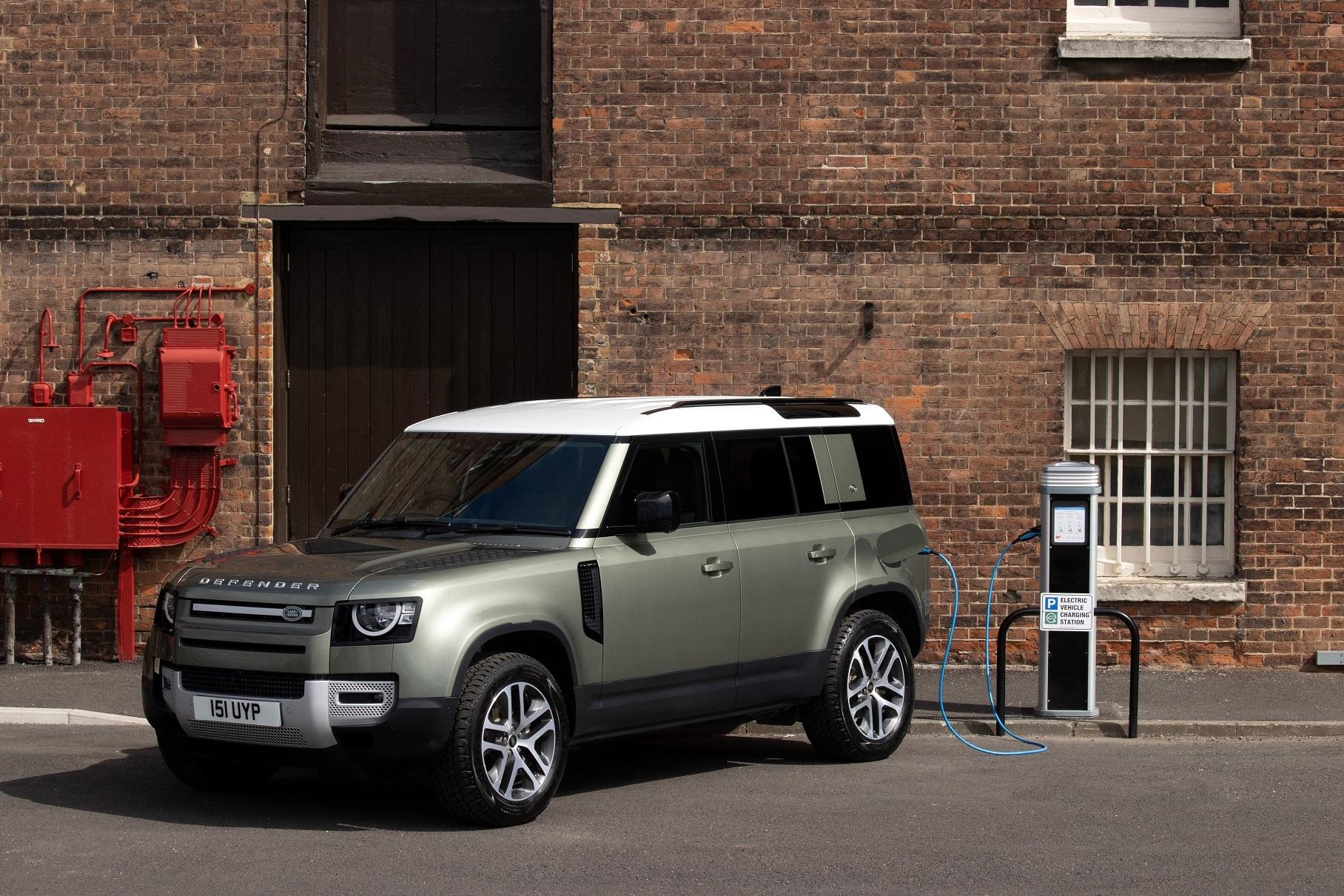 Land Rover Defender получил новый турбодизель и мощную гибридную версию