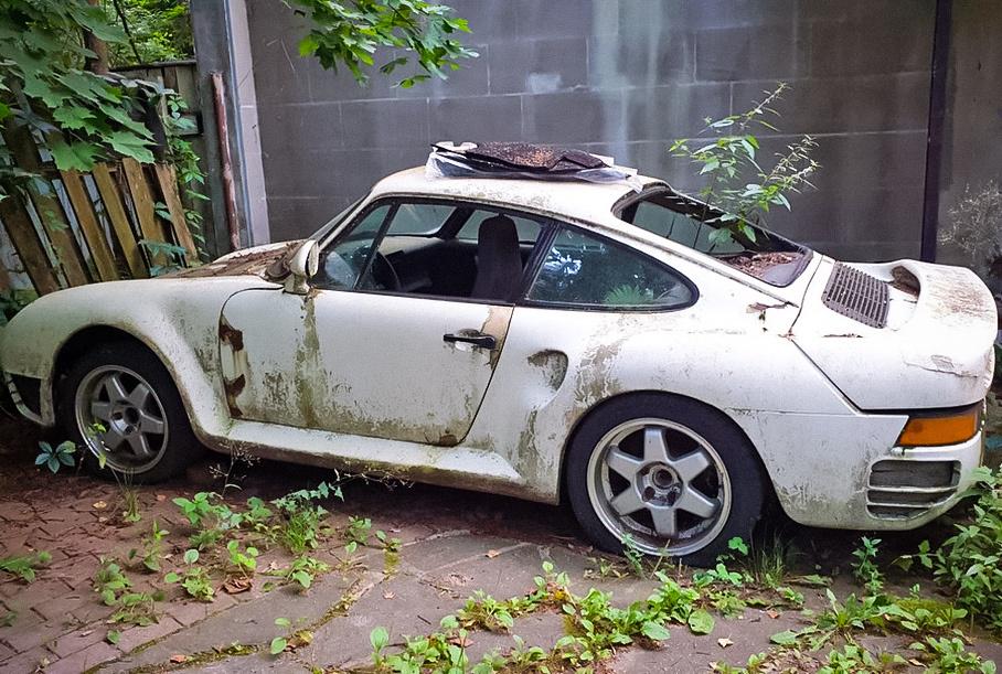 В Подмосковье обнаружили реплику редчайшего Porsche