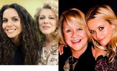 Мировые мамы: в День матери звезды показали фото главных женщин в своей жизни