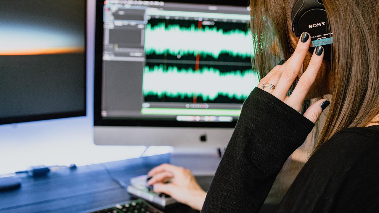 От привлекательности до успеха в карьере: ученые назвали 5 секретов голоса