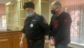 Подельников не нашли: замглавы московской таможни пойдет под суд за взятки