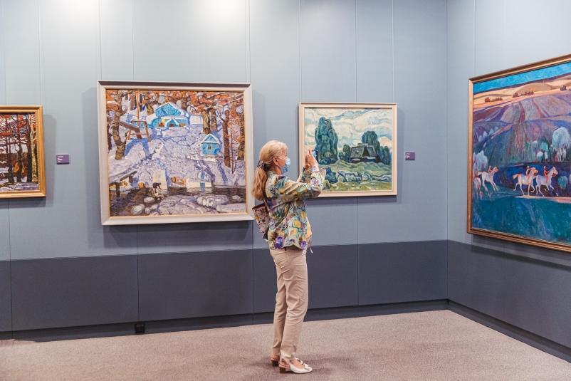 Картины памяти: во Владивостоке открылась выставка, посвященная творчеству Кима Коваля