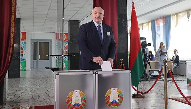 Наблюдатели от СНГ признали выборы в Белоруссии законными