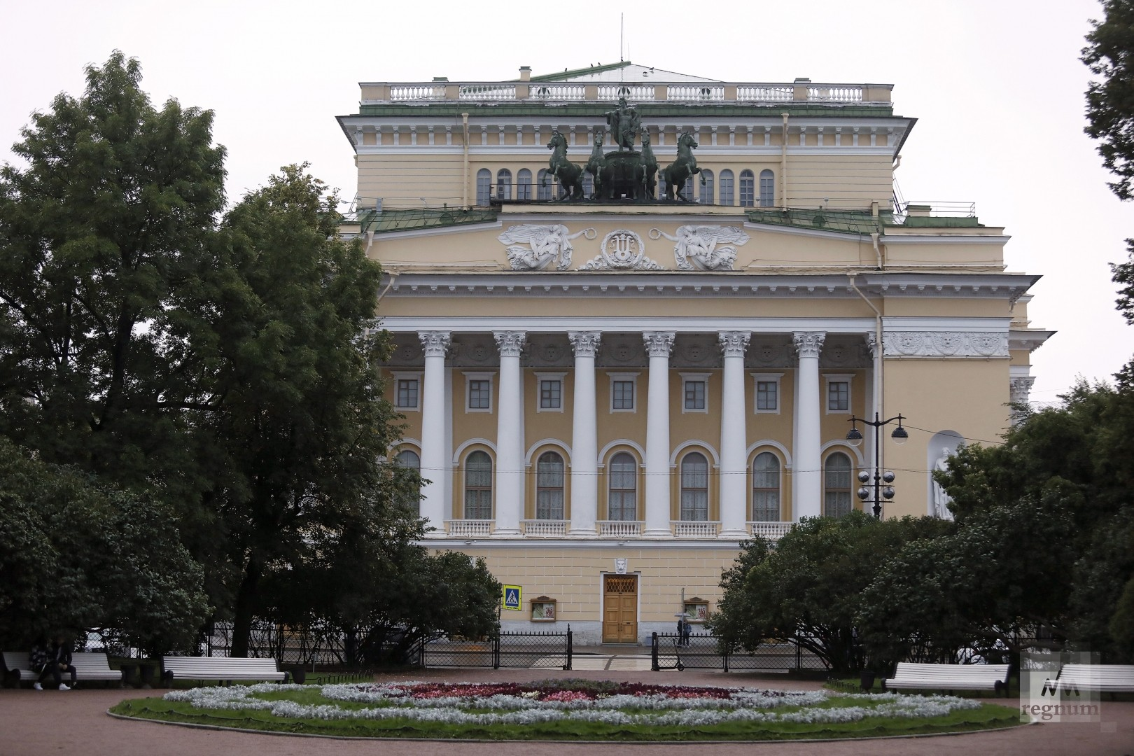 В Петербурге зрителям предложили покупать по три билета «для безопасности»