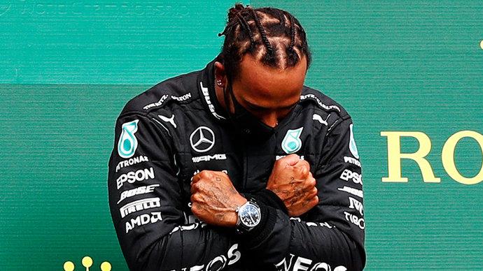 «Формула-1» отказалась от расследования в отношении Хэмилтона за футболку с призывом арестовать полицейских
