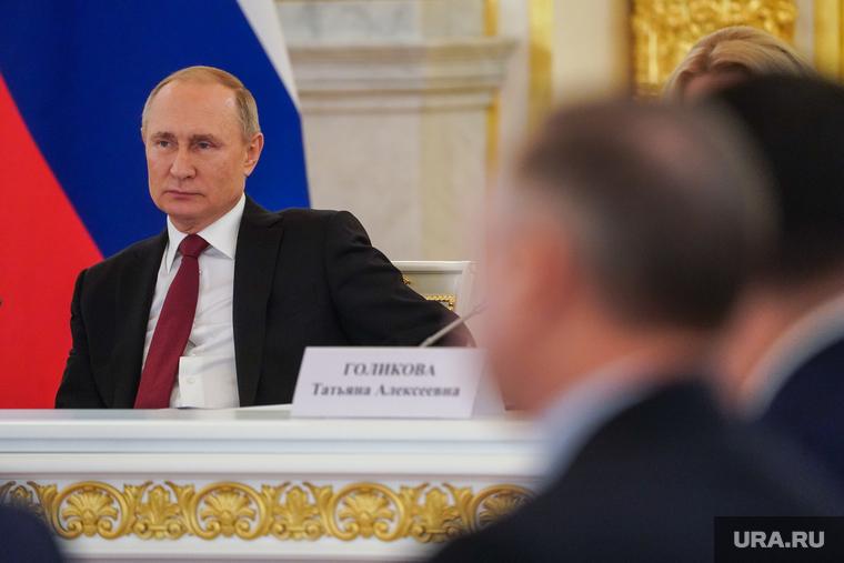 Губернаторы ожидают от Путина продления сроков самоизоляции