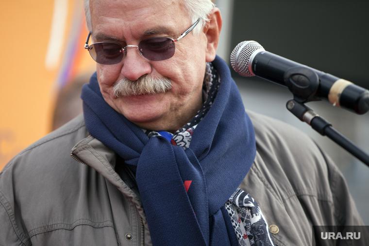 Выпуск программы Михалкова о чипировании людей сняли с эфира. Режиссер пожаловался на цензуру. ВИДЕО