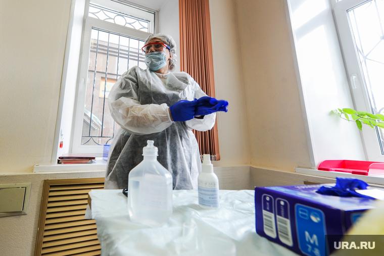 В Германии спрогнозировали еще две волны коронавируса