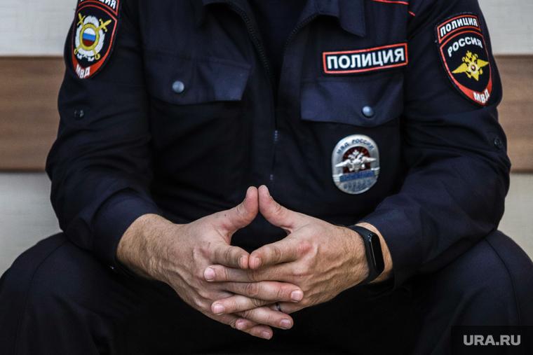 Челябинский полицейский, пытавший задержанных, избежал тюрьмы