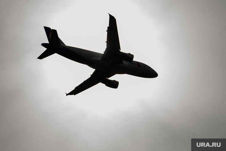 На месте крушения самолета в Пакистане обнаружили выживших