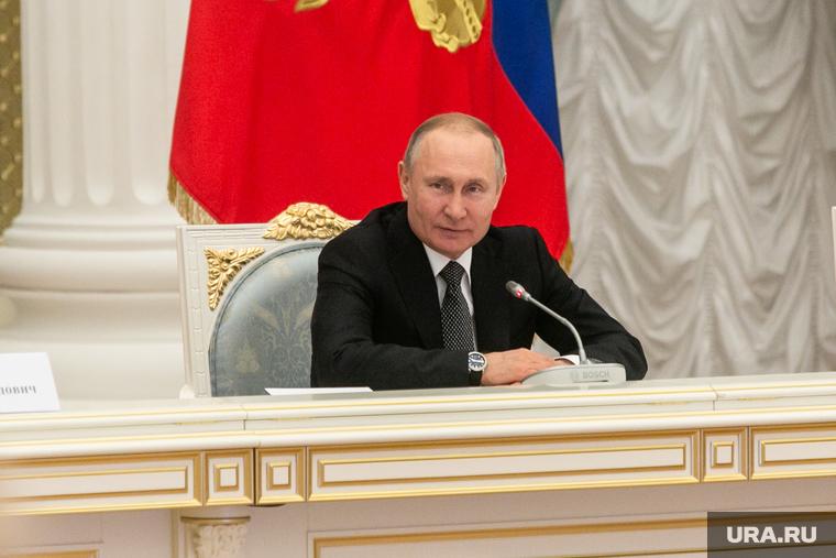 Путин сам объявит даты парада Победы и голосования по Конституции