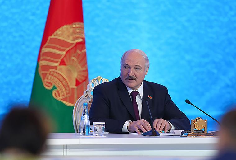 Лукашенко заподозрили в подкупе задержанных россиян