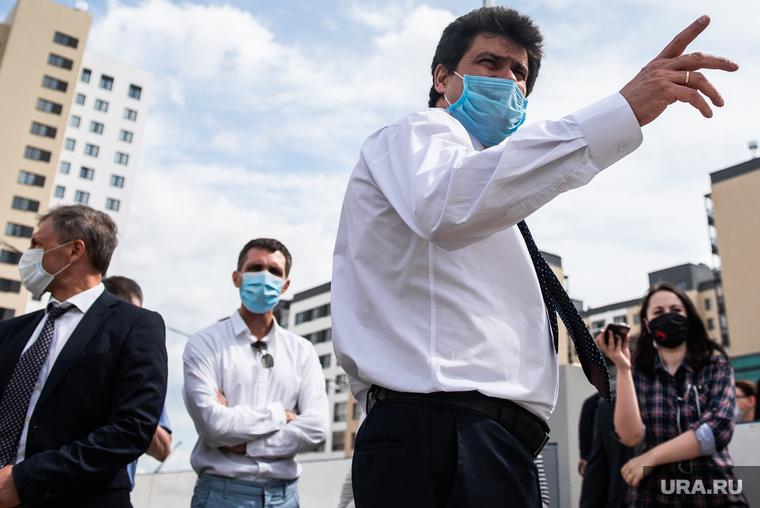 Мэр Екатеринбурга проэкзаменует нового главу района. Ему помогут читатели URA.RU