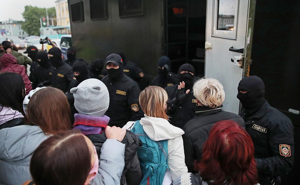 МВД Белоруссии ответило на жалобы фразой «изнасиловать в автозаке нельзя»