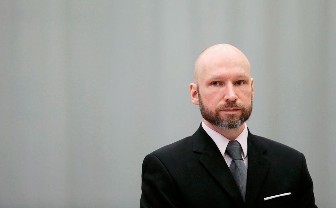 Норвежский террорист Брейвик попросил выпустить его досрочно