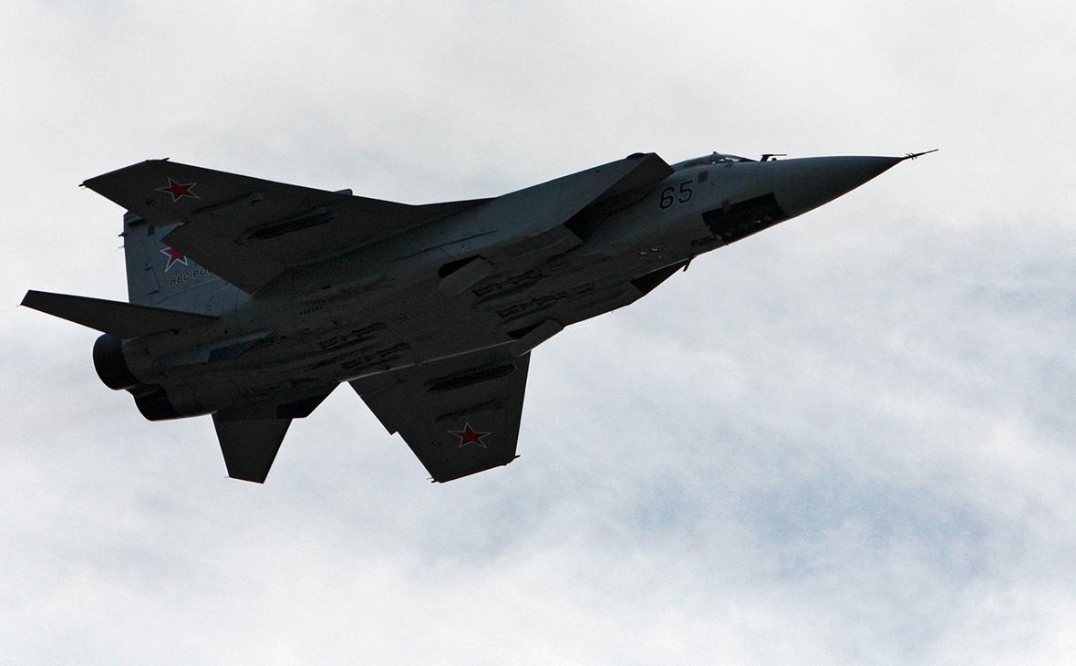 МиГ-31 перехватил два бомбардировщика ВВС США над Беринговым морем