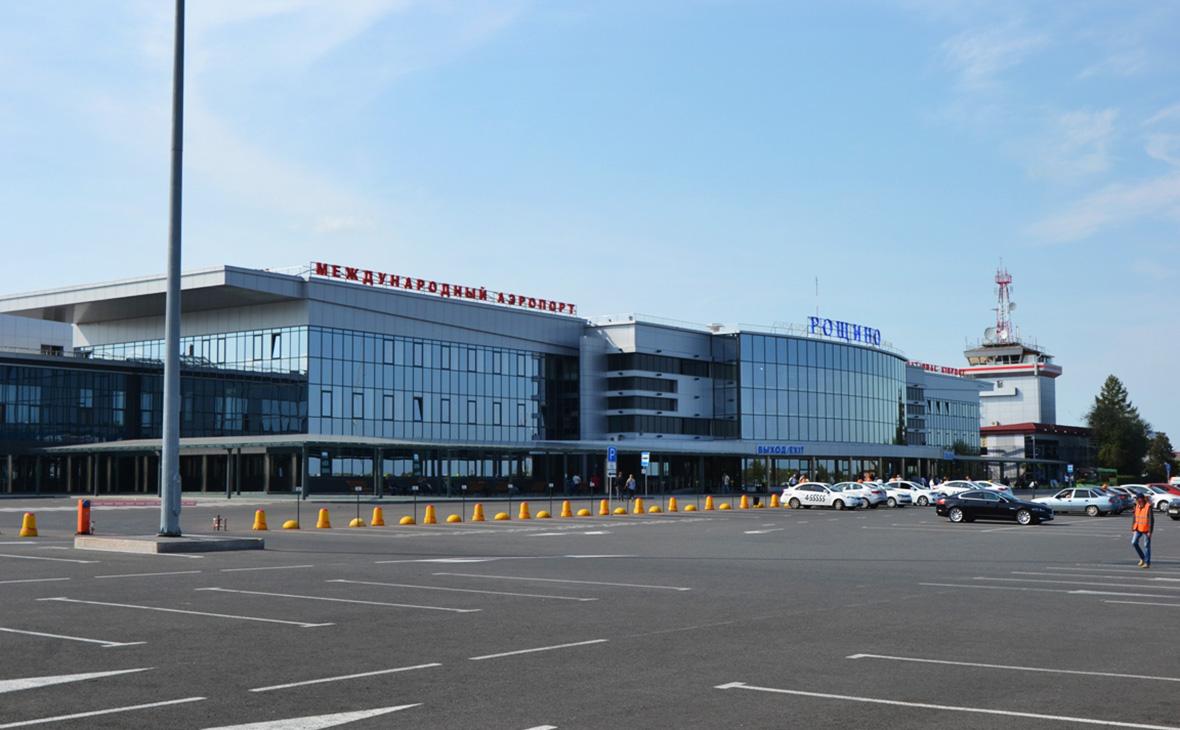 СК начал проверку после столкновения самолета с трапом в аэропорту Тюмени