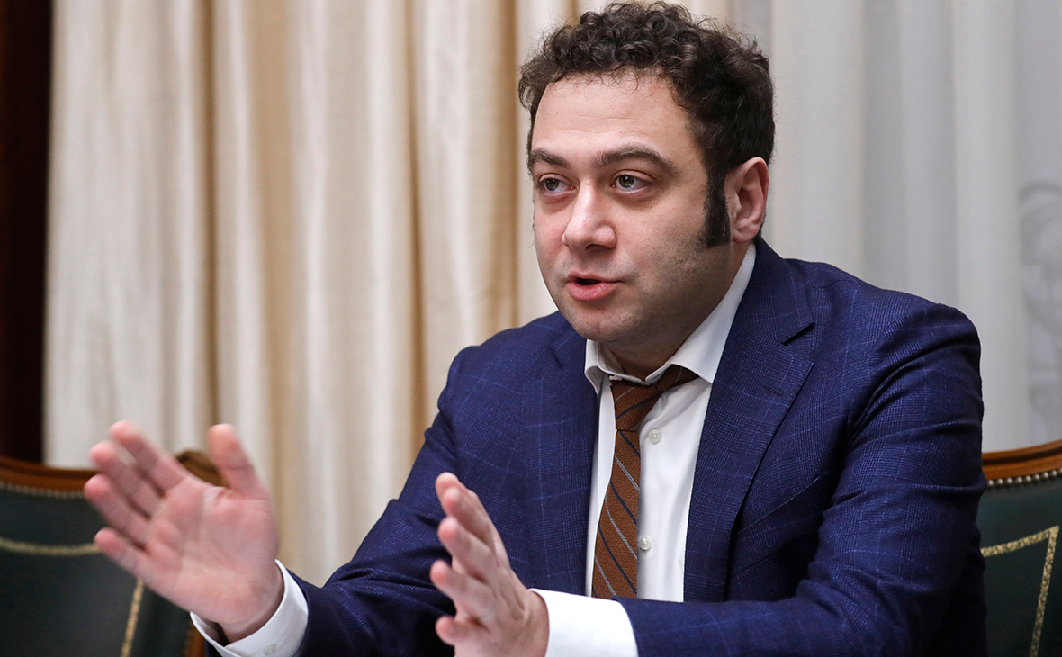 Топ-менеджер «Яндекса» сообщил о все «новых и новых» требованиях Тинькова