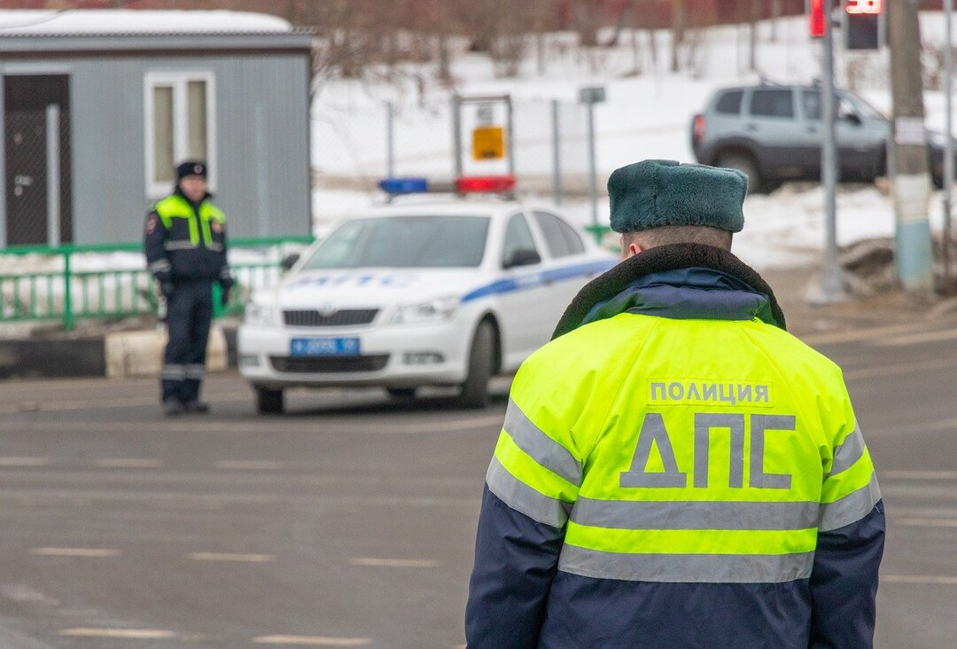 У безработной жены московского гаишника конфисковали автомобили и недвижимость на 40 млн рублей